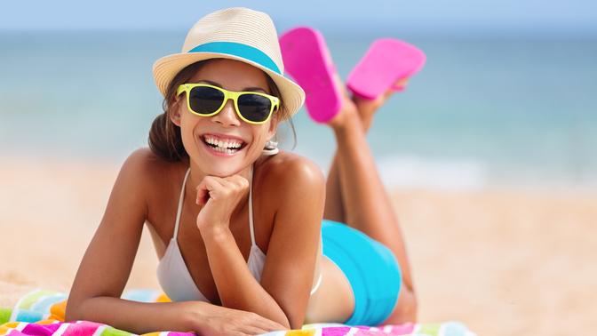 Hediyemiz var: Yaz boyunca pürüzsüz ve bakımlı bir cilt için hangisi hep yanında olmalı?