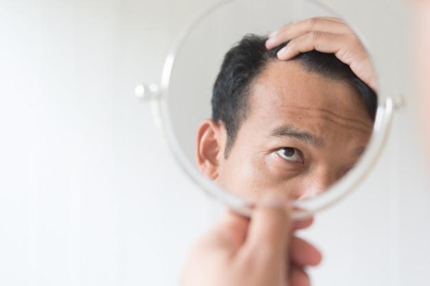 Saç dökülmesi belirtileri