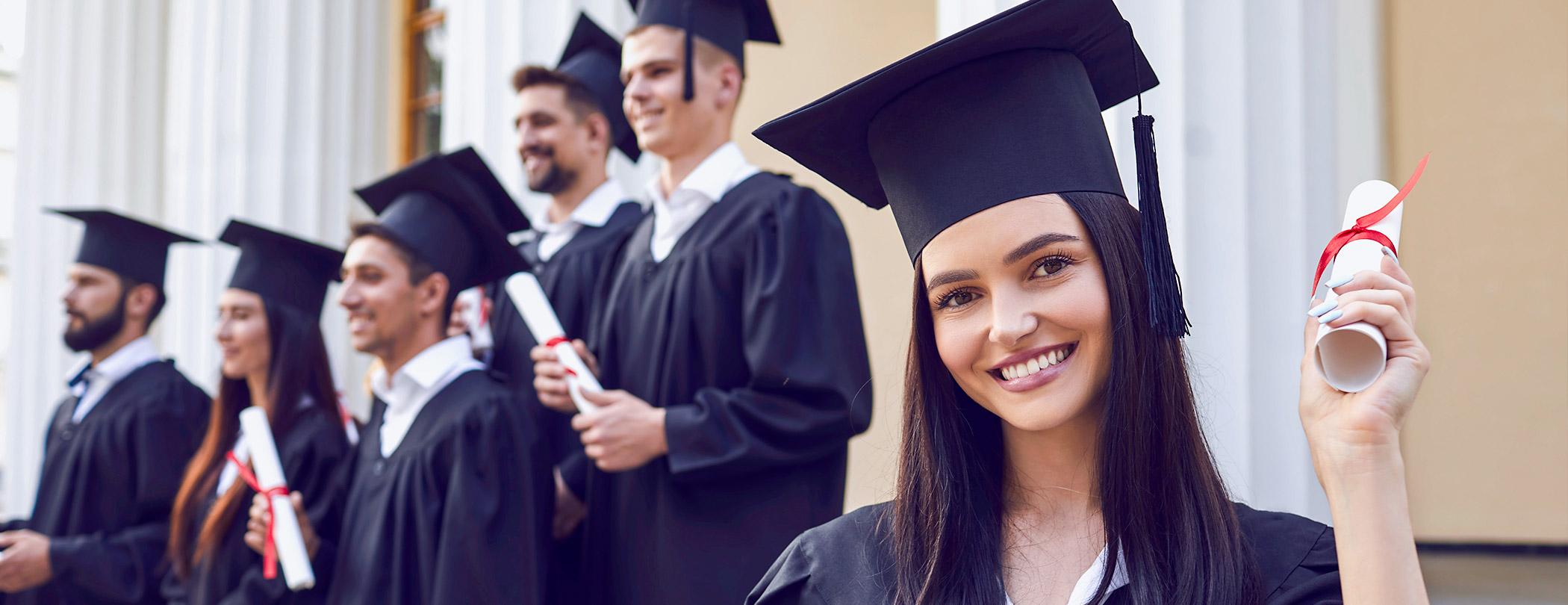 Sınav stresini nasıl aşarım? Eğitim bitti; nasıl iş bulacağım? Kariyer basamaklarını nasıl tırmanmalıyım? Eğitim ve kariyer hakkında her şey burada!