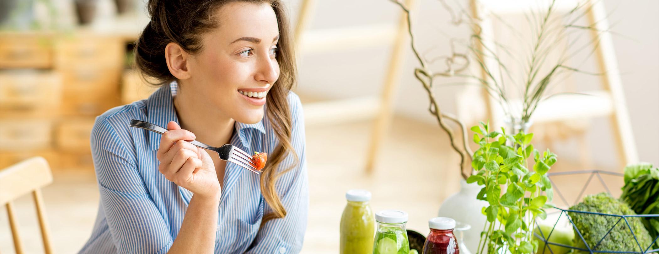 Sağlıklı beslenme konusunda merak ettikleriniz mi var? Kilo vermeye ya da almaya mı çalışıyorsunuz? Diyettesiniz ve kalori hesabı konusunda sorularınız mı var? Geçmiş olsun, yalnız değilsiniz!